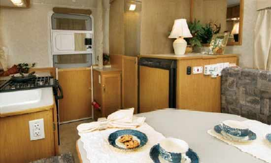 hi lo towlite 15t small travel trailer interior looking to rear - Small Camper Trailer 2