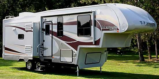 Glendale-Titanium-Fifth-Wheel-Exterior.Jpg