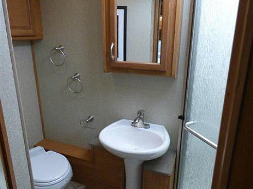 fleetwood bounder bathroom