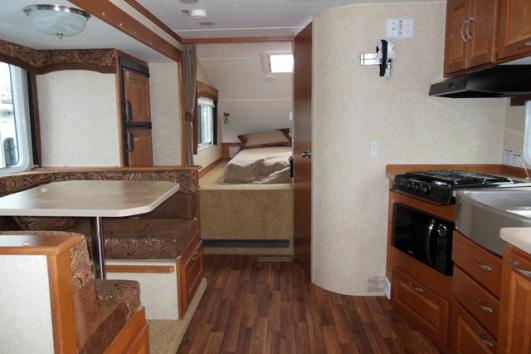 2014-chalet-rv-ds116fb-truck-camper-interior