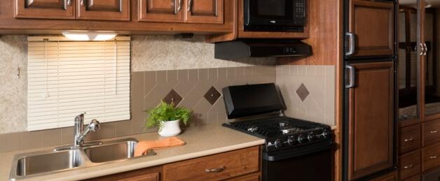2014-fleetwood-terra-se-kitchen