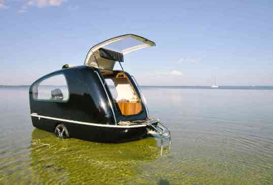 2014-sealander-caravan-trailer-and-yacht-exterior-on-beach