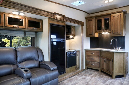 2015-grand-design-reflection-27rl-fifth-wheel-galley