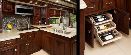 2015-monaco-dynasty-45-palace-class-a-diesel-kitchen