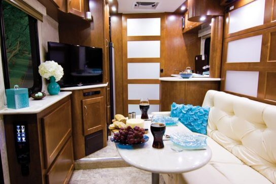 2015-pleasure-way-plateau-xl-widebody-class-b-motorhome-interior