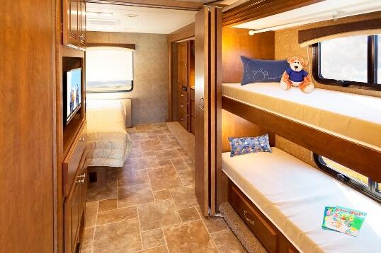 2015 thor miramar 34 3 class a motorhome roaming times for Rv loft bed
