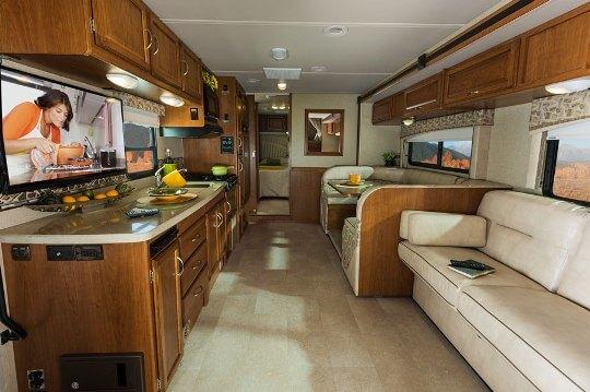 2015-winnebago-minnie-winnie-premier-31kp-class-c-motorhome-interior
