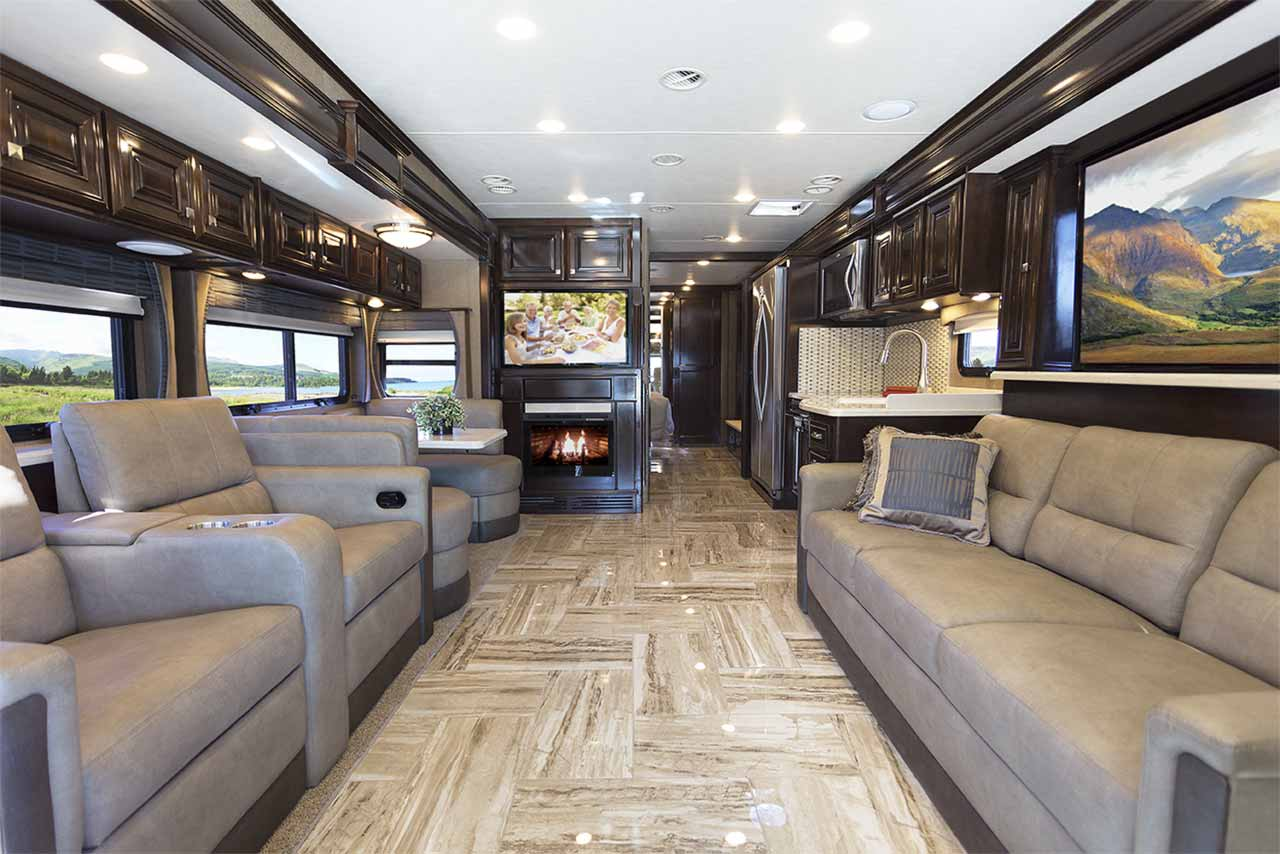 Class C Motorhome Floor Plans Thor Motor Coach Keeps The Innovation Coming In Louisville
