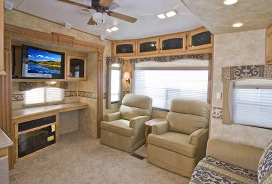 heartland-bighorn-fifth-wheel-interior-4
