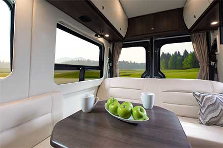 2014-free-spirit-te-leisure-travel-vans-rear-table