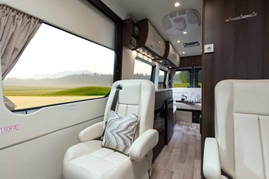 2014-free-spirit-te-leisure-travel-vans-rear-view