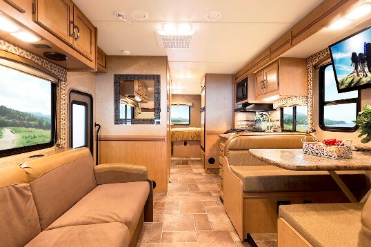 2015-thor-four-winds-29g-class-c-motorhome-interior