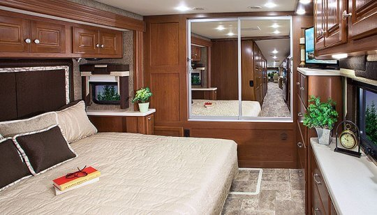2015-thor-palazzo-class-a-diesel-model-35-1-motorhome-bedroom