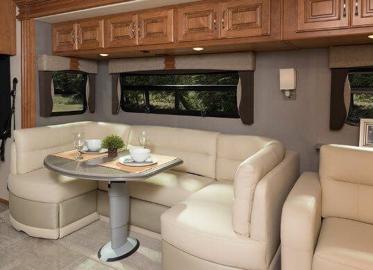 2016-fleetwood-rv-discovery-40g-class-a-motorhome-dinette