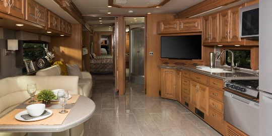 2016-fleetwood-rv-discovery-40g-class-a-motorhome-interior