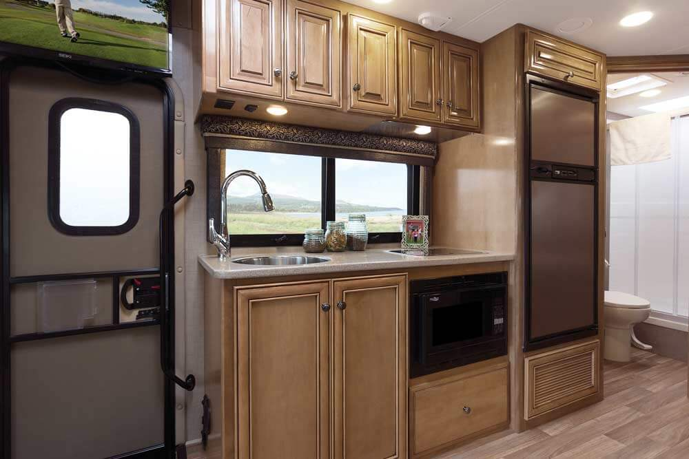 Thor Upscale Living 2017 Class C Motorhomes Roaming Times