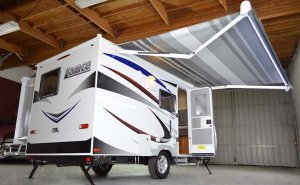 Lance 1575 Travel Trailer Exterior Awning and Slide