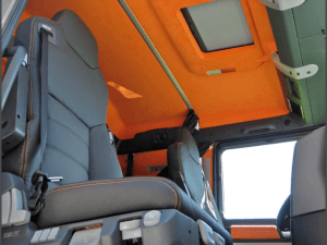 Action Mobil Interior Cab