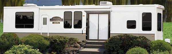 Cedar Creek Cottage destination trailer exterior
