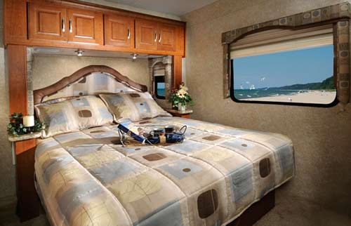 Four Winds class C motorhome interior - bedroom