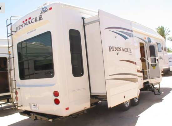 2012 Jayco Pinnacle fifth wheel - Roaming Times