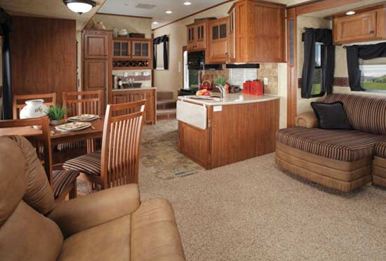 2012 Jayco Pinnacle fifth wheel | Roaming Times