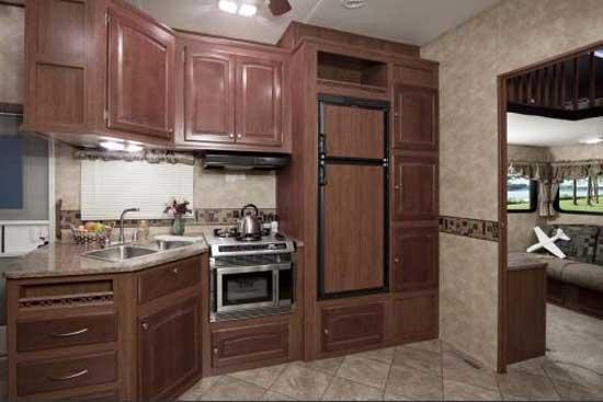 Heartland ElkRidge fifth wheel interior 36DSRL kitchen