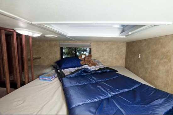 Heartland ElkRidge fifth wheel interior 35DSRL loft