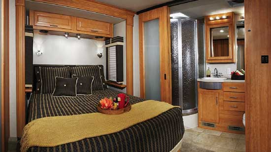 Fleetwood Southwind class A motorhome - bedroom and bathroom