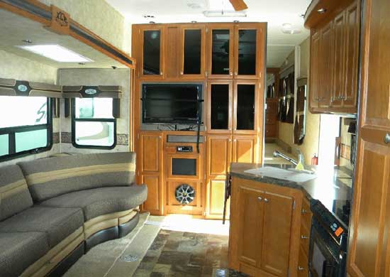 2011 Forest River Xlr Toy Hauler Fifth Wheel Roaming Times