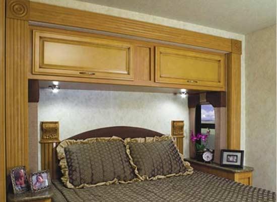 Fleetwood Storm class A motorhome bedroom