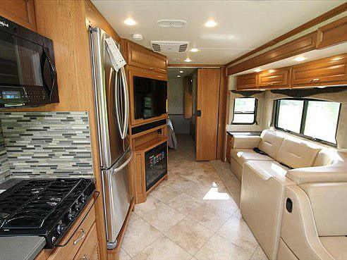 2016 Fleetwood Bounder 33c Class A | Roaming Times