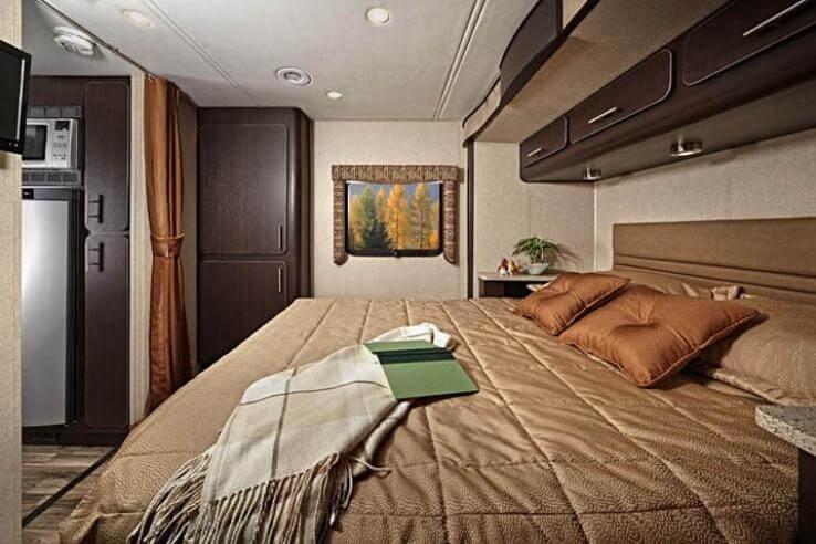 renegade villagio bedroom