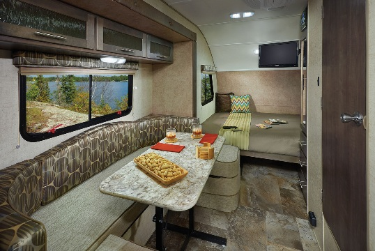 2015-forest-river-r-pod-179-travel-trailer-interior-front