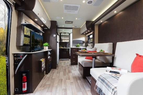 2015 Leisure Travel Vans Unity U24mb Class B