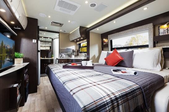 King Bed In Full Sized Van