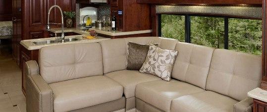 2015-monaco-dynasty-45-palace-class-a-diesel-sofa