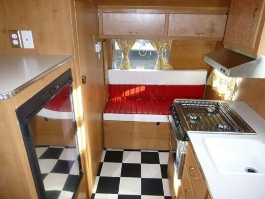 2015-shasta-airflyte-16-reissue-travel-trailer-interior