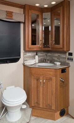 2016 Fleetwood Rv Discovery 40g Class A Motorhome