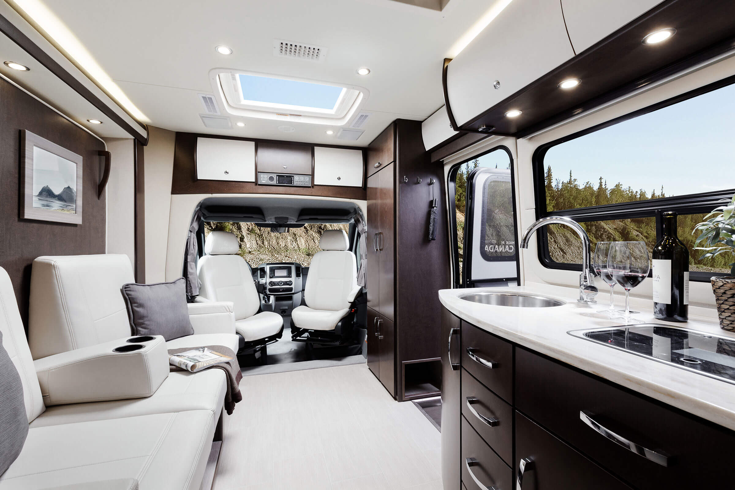 New Mb Sprinter 2018 >> Leisure Travel Vans Transforms The Open Road With The All-New 2016 Unity FX | Roaming Times