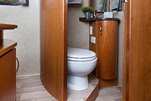 2014-leisure-travel-vans-unity-u24tb-bathroom