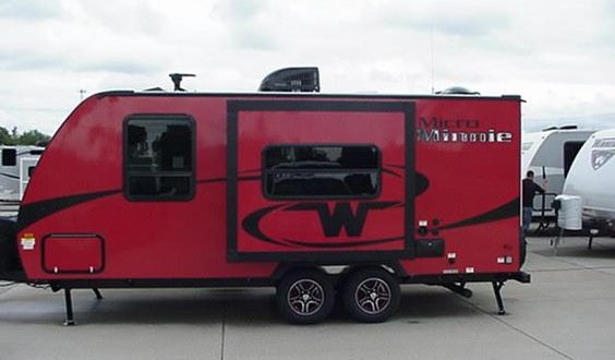 2017 Winnebago Micro Minnie 2106FBS Exterior