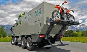 Action Mobil Globecruiser 7500 Rear View