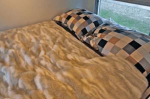 Action Mobil Interior Bedroom