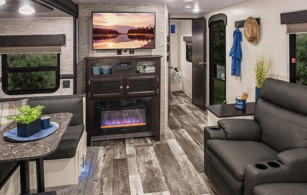 2018 Venture Stratus Travel Trailer - Inside
