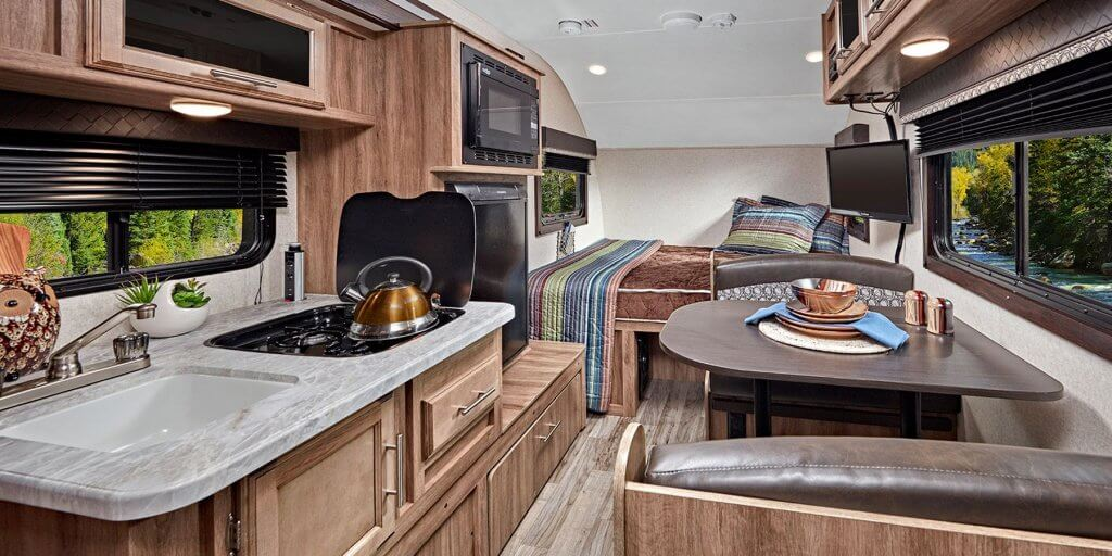 Hummingbird RV - Home on the Road