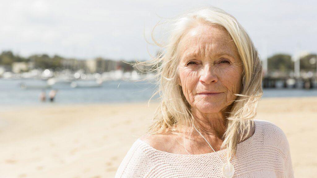 older women solo travel