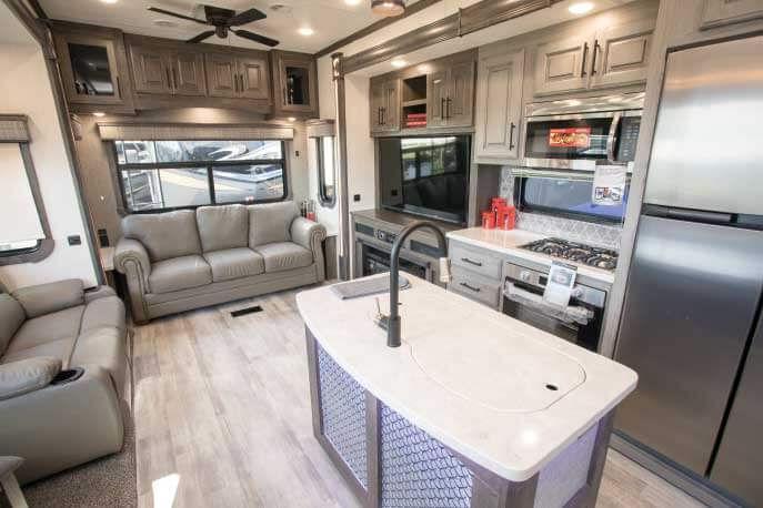 2020 Heartland Bighorn Fifth-Wheel RV