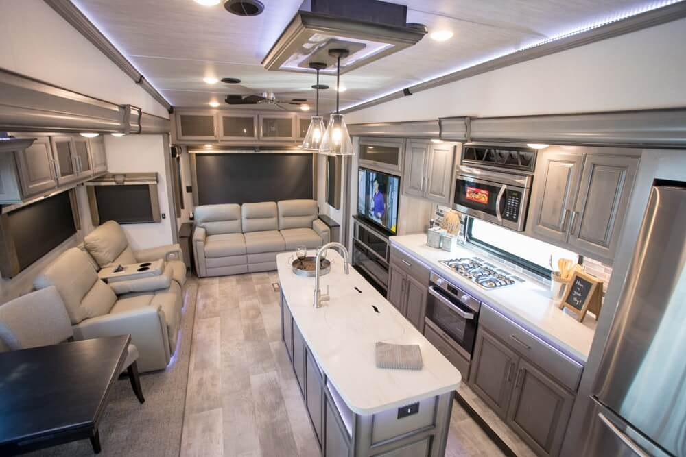 2020 Keystone Montana Fifth-Wheel RV
