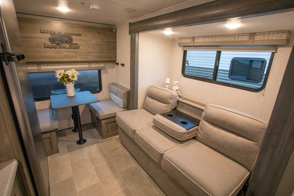 2020 Palomino Puma Ultra Lite Travel Trailer